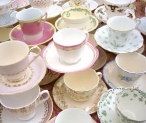 14 kopjes thee tegelijk serveren