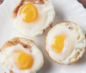 Eieren met spek op toast, maar dan als muffins!