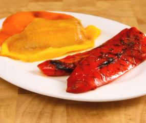 Hoe rooster je paprika's op het vuur?