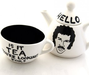 Grappige Lionel Richie theeset