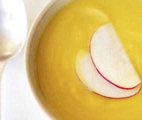 Geroosterde appel-pompoen soep
