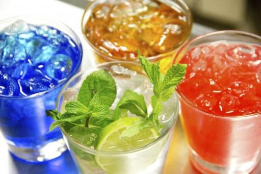 Gekleurde drankjes cocktails stock