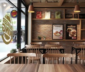 Ook Burger King in Singapore compleet gerestyled