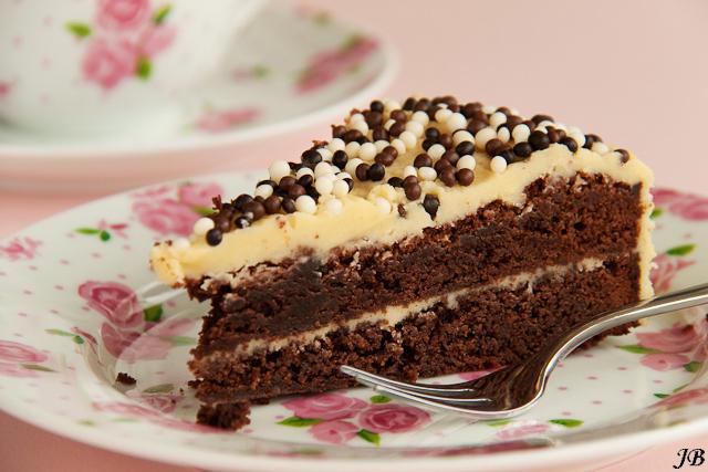 Chocoladetaart met glazuur van bailey 39 s - Chocolade en witte badkamer ...