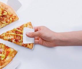 Pizza eten zonder vieze vingers