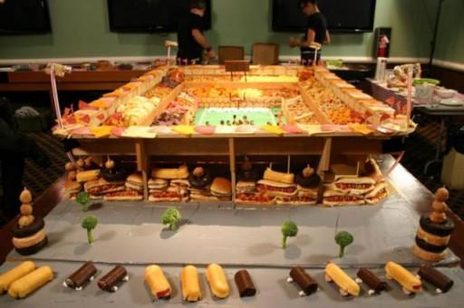super_bowl_stadiums_made_of_snacks_640_06 (Super Bowl Stadiums Made of Snacks)