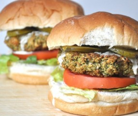 Vegan broccoli burgers