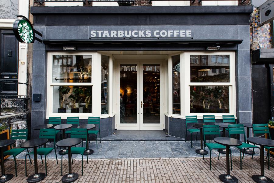 Starbucks opent aan amsterdamse bloemenmarkt for Kebabzaak amsterdam
