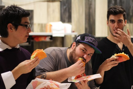 doritos-locos-three-dudes-eating