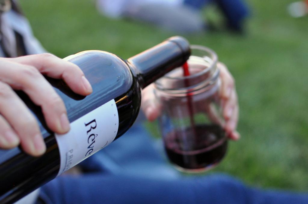 datingsite wijnliefhebbers Wijnliefhebbers tip: ontdek het moezelgebied 10 adembenemende plekken die je moet bereizen voor ze verdwijnen datingsite mikt op singles in de luchthaven.