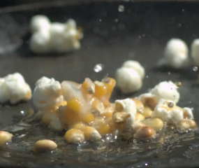 Video: popping popcorn in super slowmotion