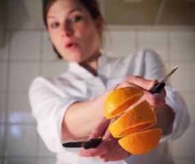 Sinaasappels schillen als een ninja