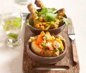 Pittige drumsticks met gepofte aardappel