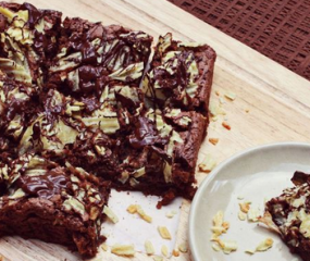 Brownies met een crispy chips (!) topping