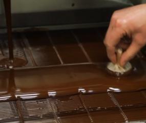 David Lebovitz bezoekt chocolatier Patrick Roger in Parijs