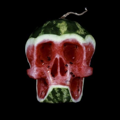 carved-fruit-vegetable-skulls-dimitri-tsykalov-4