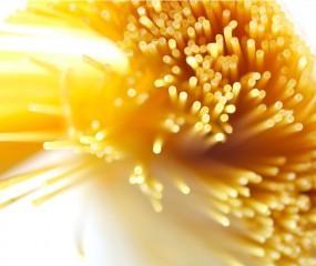 Gebruik een frisdrankfles om je portie spaghetti te meten