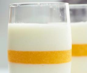 Pannacotta van yoghurt met ananas van Julius Jaspers