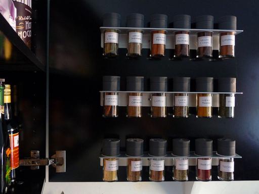Keuken Lade Organizer : 10. Hang ze aan je koelkast ? Magneten zijn, hoe je het ook went of