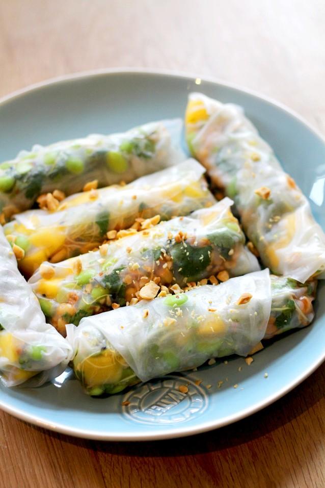Culy Homemade vega spring rolls met mango en edamame.jpg3