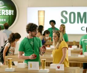 Geniaal: deze reclame voor appelcider zet Apple-fanaten flink voor schut