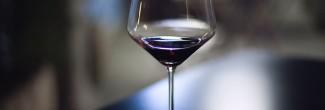 Hoe lang kan je een geopende fles wijn bewaren?