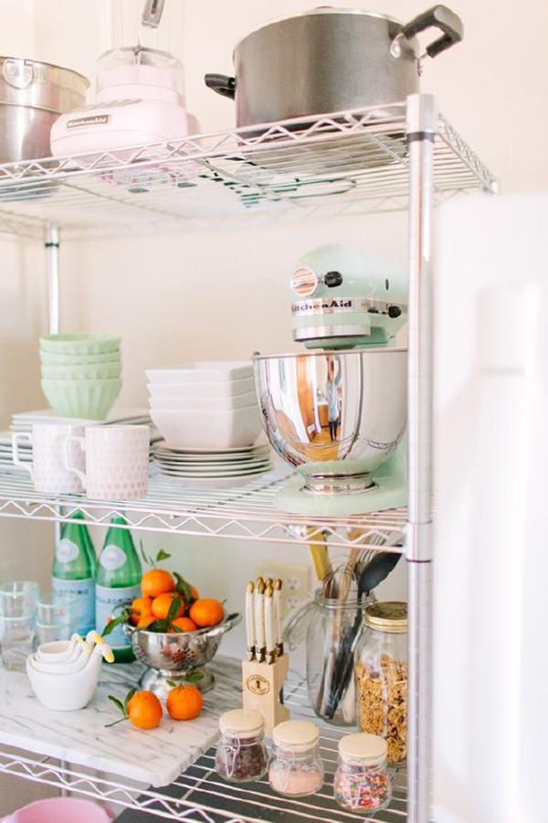 Keuken Vuilnisbak Ikea : Tof idee: ruimte cre?ren in je keuken met een stellingkast – Culy.nl