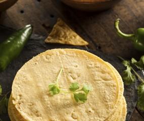 De ultieme vrijdagmiddag: homemade tortilla chips + dip