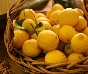 3 trucs voor véél meer sap uit citroenen & limoenen