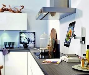 Handig: je tablet aan de keukenmuur