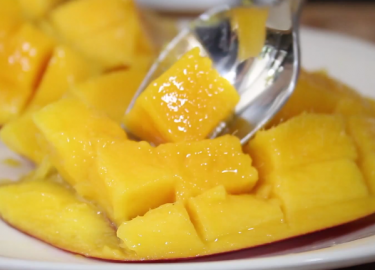 10 superslimme food trucjes voor de zomer for Fruitvliegjes in keuken