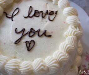 Slimme truc bij taarten decoreren