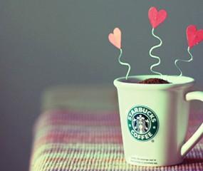 Starbucks barista's flirten met klanten via koffiebekers