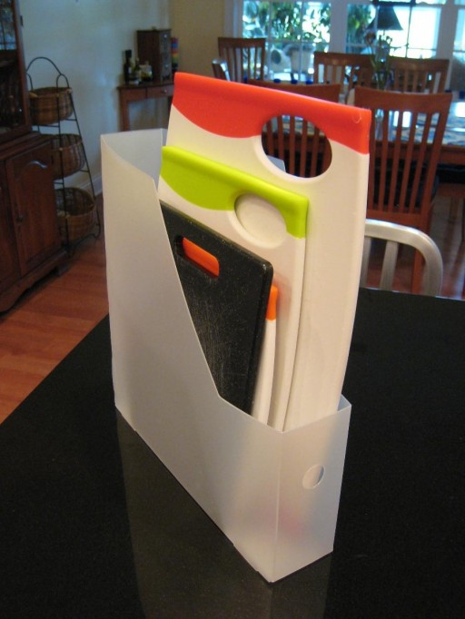 Upcycled-Magazine-File-Cutting-Board-Storage