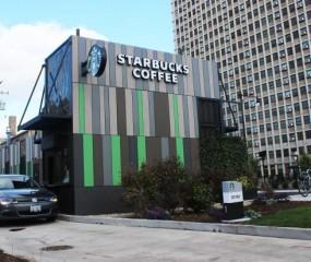 Starbucks opent drive-through zaak gemaakt van... oude containers