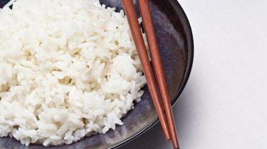 rijst koken pan