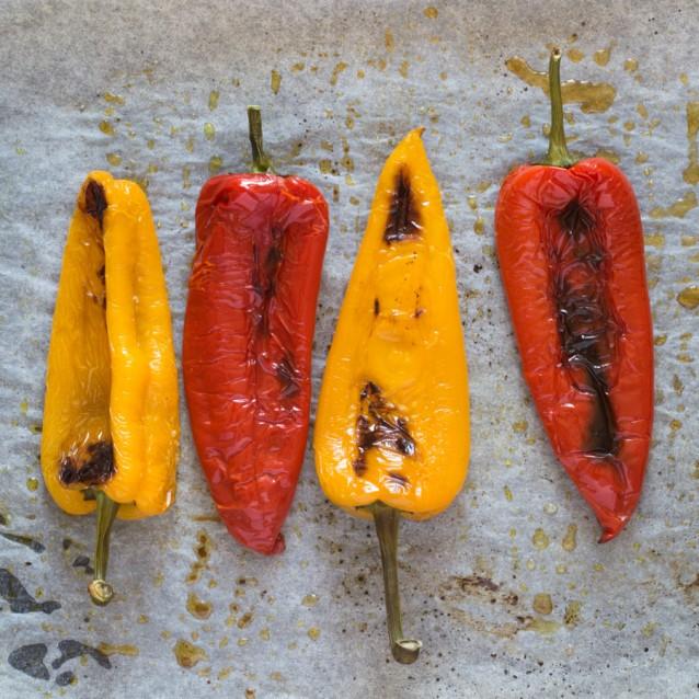 Stock paprika's grillen en paprika's roosteren0001