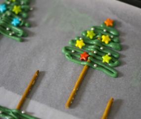 Leuk voor de kids: snelle kerstboompjes maken