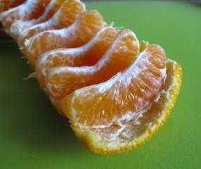Slimme truc: zo pel je razendsnel een mandarijn