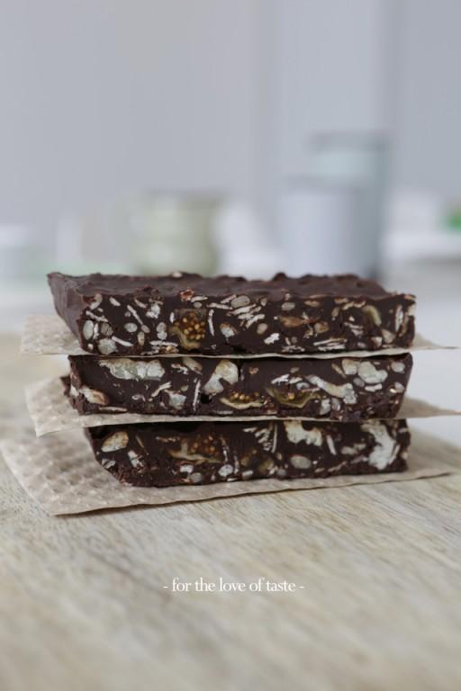 Fig - Walnut chocolate bar