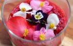 Culy Homemade: supersnel toetje met yoghurt, speculaas & frambozensaus