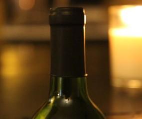 Het wijn-condoom: is dit dé oplossing voor al je geopende wijnflessen?