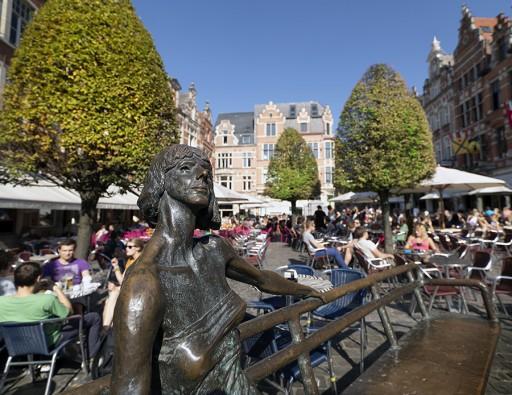 Leuven_OudeMarkt_6330707599_b61c793ea5_o