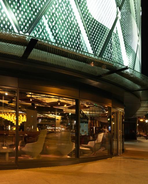 tom-dixon-eclectic-restaurant-paris-designboom02