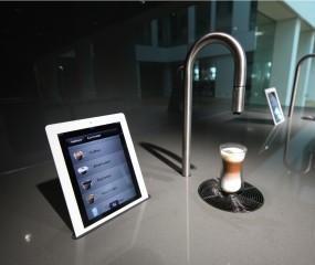 De koffie van de toekomst komt uit een kraan en zet je met een app