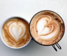 Wie drinkt de meeste koffie, mannen of vrouwen?