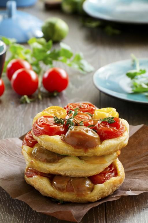 Tomaten taartjes stock