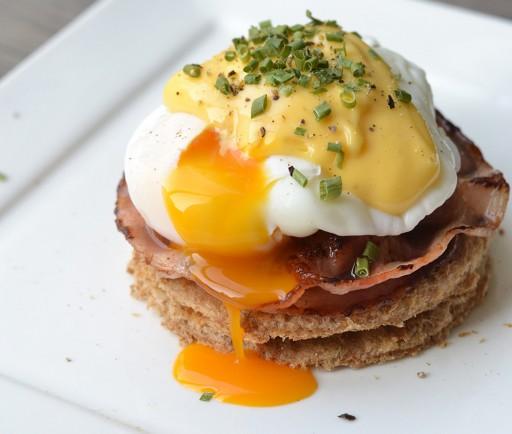eggs benedict Culy