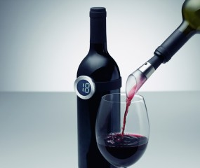 Handig: deze wijn-armband is een digitale thermometer