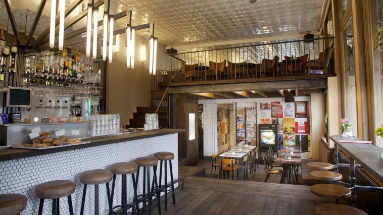 Bar bukowski - Feestelijke bar ...